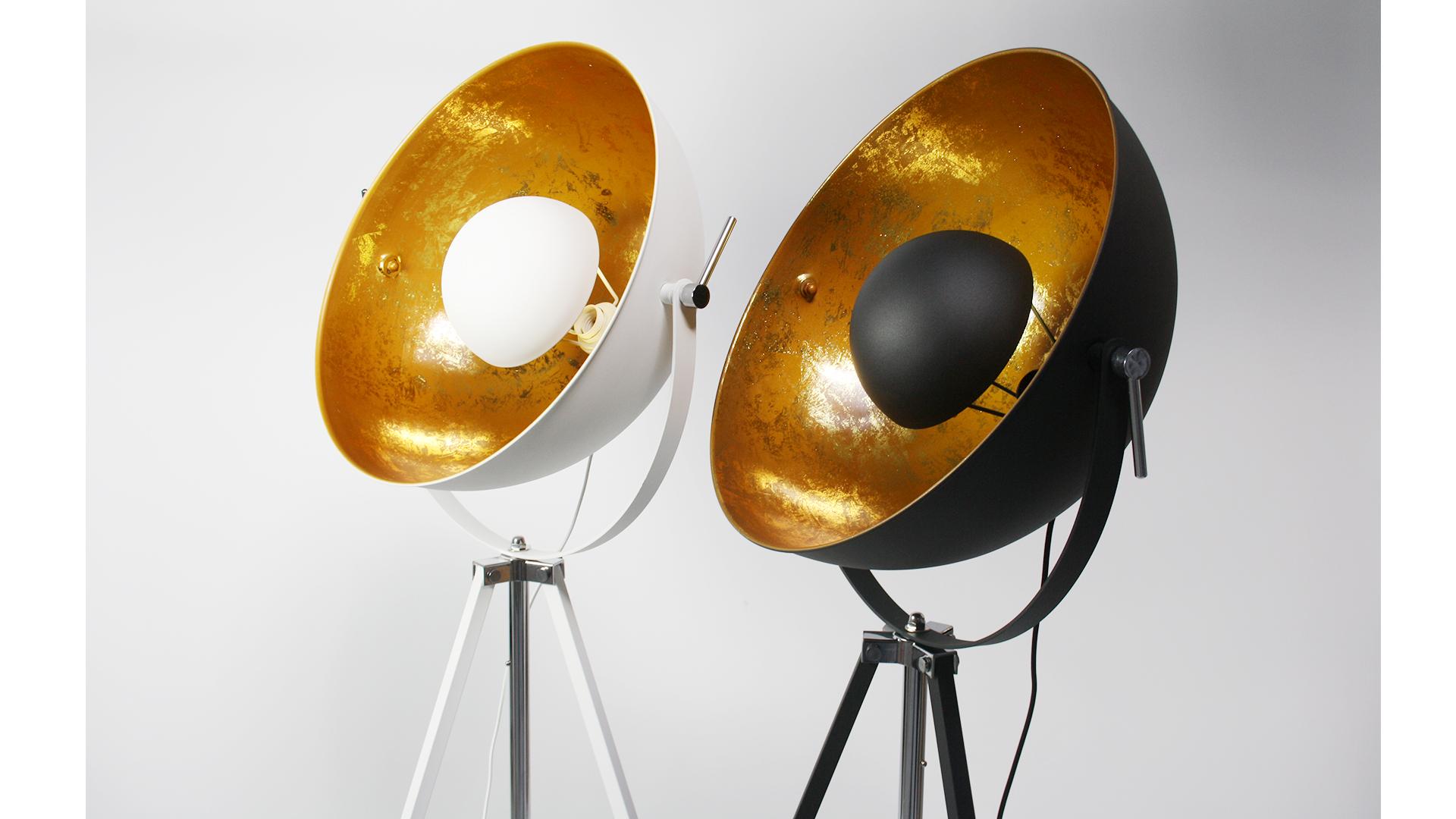 lampadaire noir et or