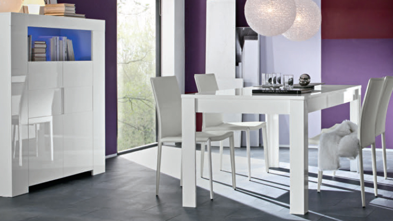 le blog mobiliermoss ensemble salle a manger blanc laque. Black Bedroom Furniture Sets. Home Design Ideas