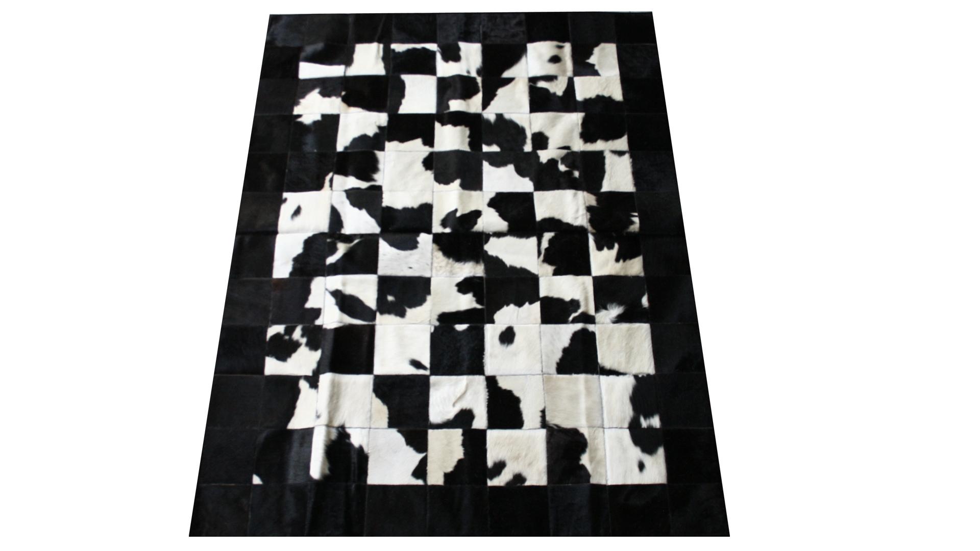 tapis pachwork peau de vache mobiliermoss noir banche lola le blog mobilier moss. Black Bedroom Furniture Sets. Home Design Ideas