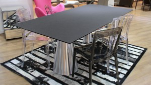 table-rectanglulaire-verre-pied-alu-bisho-mobiliermoss
