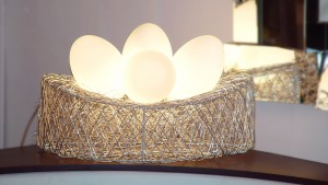 luminaire-a-poser-oeuf-3-lampes-metal-eggs-2