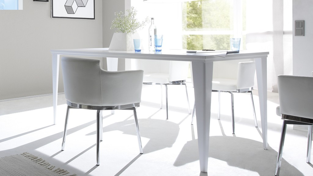 Table-pieds-laque-mat-blanc-c-galatik-mobiliermoss