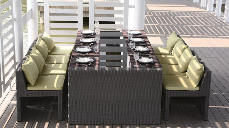 follow-dinning-table-chaise-exterieur-en-rotin