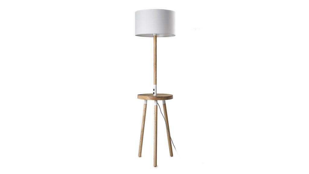 lampadaire-bois-avec-station-charge-induction-hirske-mobiliermoss