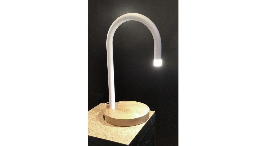 lampe-a-poser-led-station-charge-allume-oslom-mobiliermoss