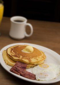 breakfast-1359445_1920